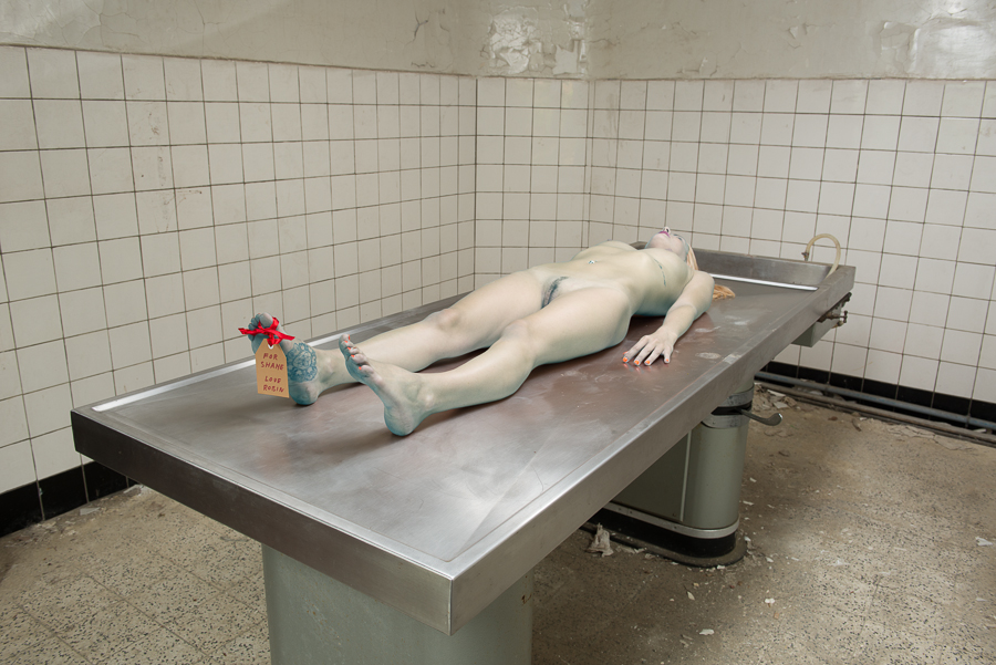 group-women-nude-at-morgue
